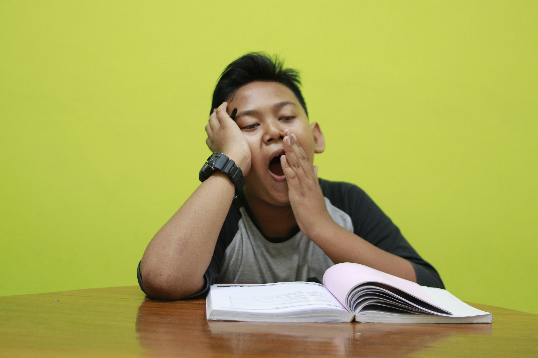 Tips Agar Tidak Mudah Lelah Saat Belajar di Sekolah