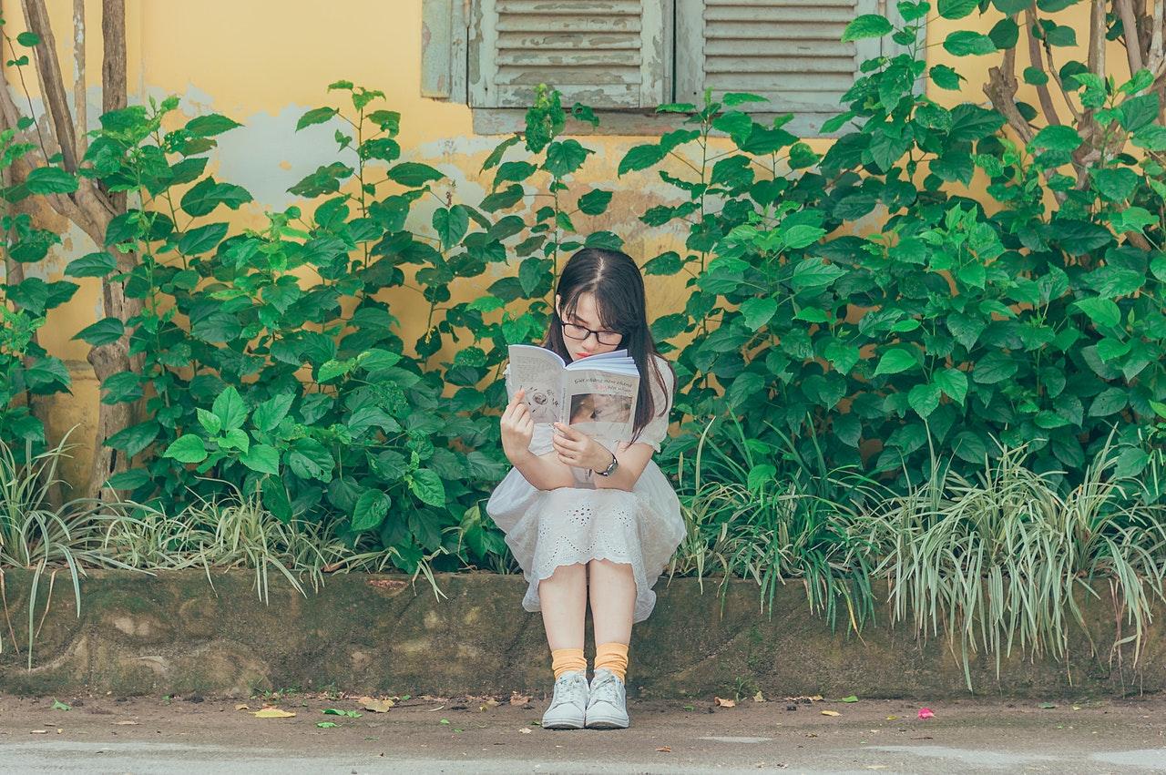 Hobi Membaca 5 Jurusan Kuliah Ini Cocok buat Kamu!