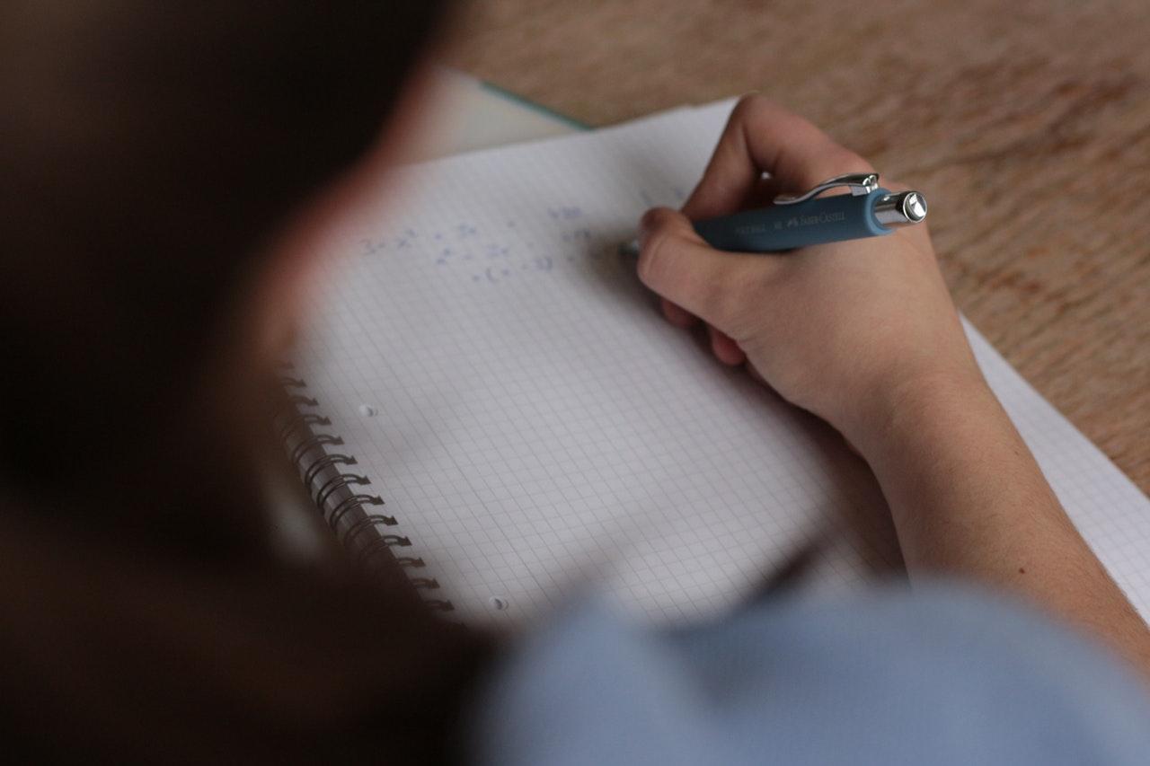 Kenali 5 Hal yang Bisa Mengganggu Konsentrasi Belajar Kamu